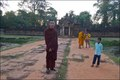 Monks at Banteay Srei