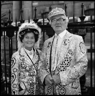 Pearly King & Queen 06